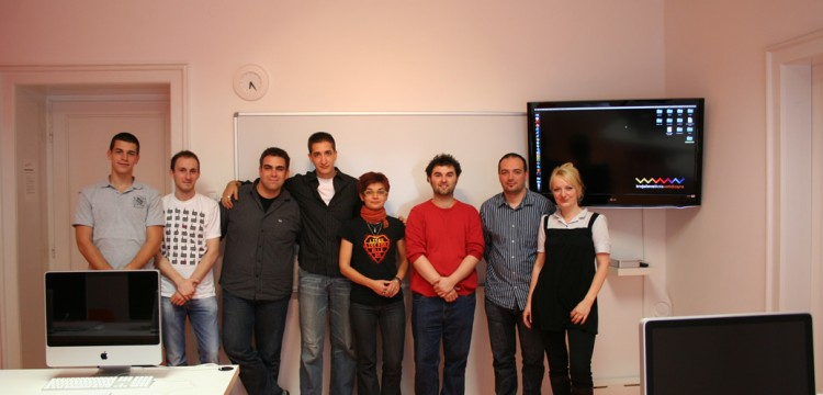Grupna slika Web 01