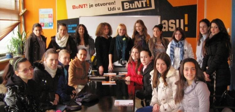 Povodom Dana devojčica posetile su nas učenice OŠ Radoje Domanović