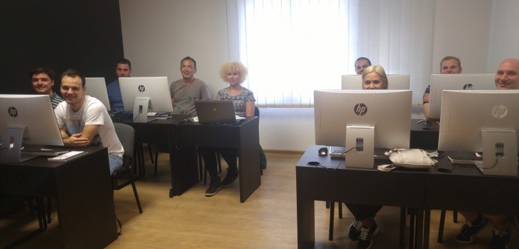 Novi početak i za nas i za njih - prvi budući Frontend developeri krenuli u školu