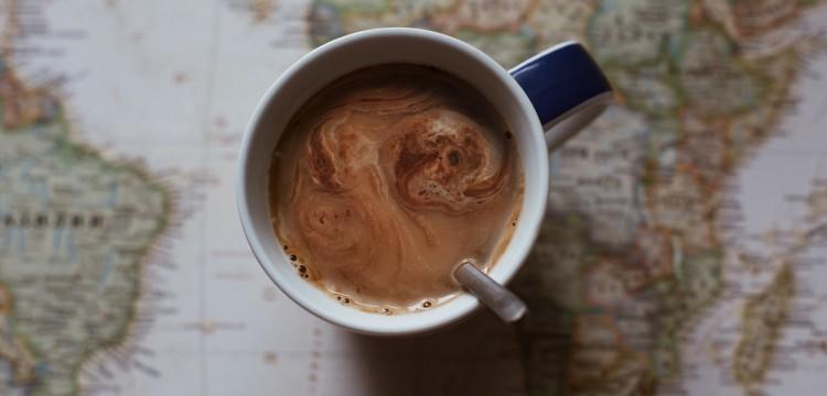 Šta radimo uz kafu? Klasa 46 daje neobičan odgovor na to pitanje
