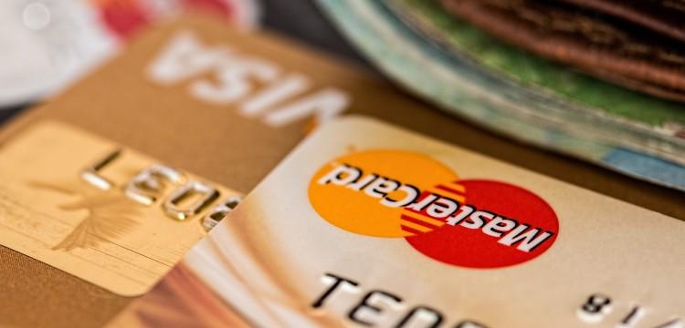 Plati karticom i počni da učiš bez čekanja!